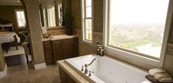 Łazienka z oknem. Rogala