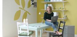 3 pomysły na ściany w salonie