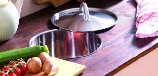 Funkcjonalny blat kuchenny z koszem na odpady organiczne