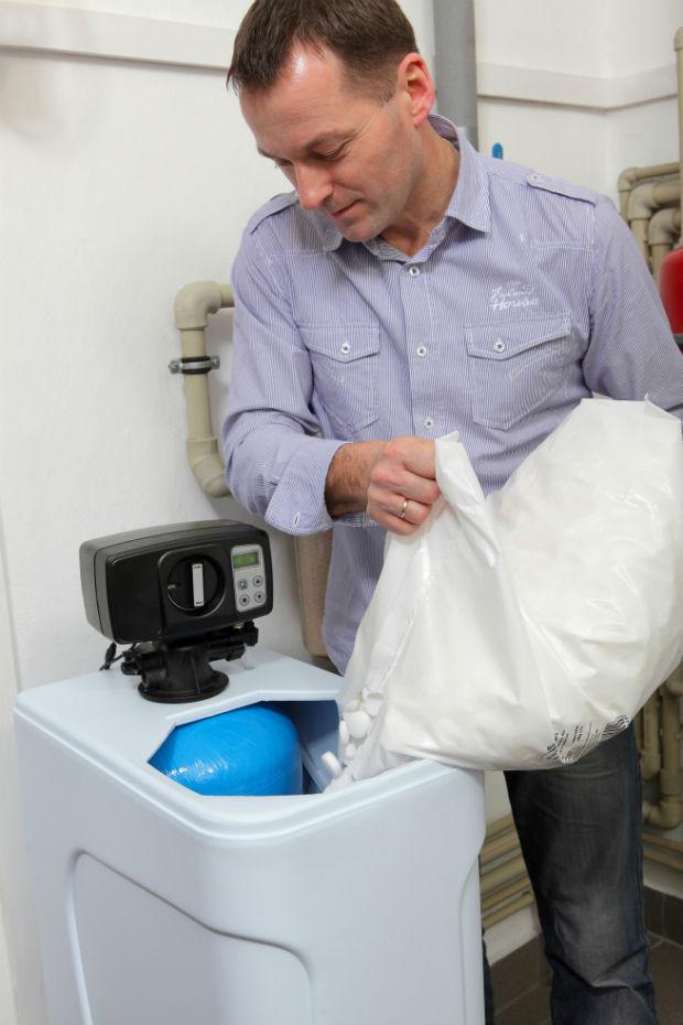 Kiedy warto kupić zmiękczacz do wody?
