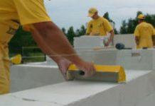 Jak pozyskać pieniądze na budowę domu energooszczęnego?