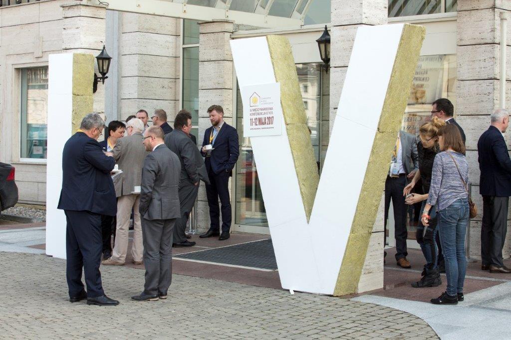 12 IV Miedzynarodowa Konferencja ETICS brama powitalna