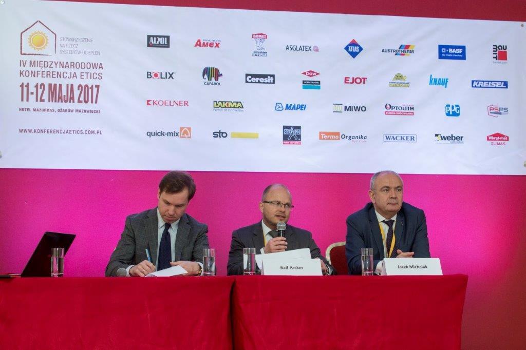 1 IV Miedzynarodowa Konferencja ETICS od prawej Jacek Michalak Ralf Pasker konferencja prasowa