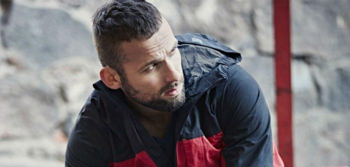 Snickers Workwear AllroundWork nieprzemakalny zestaw kurtka 1303 spodnie 6901 model glowne