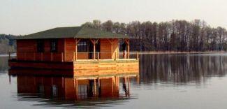 Domy letniskowe na wodzie